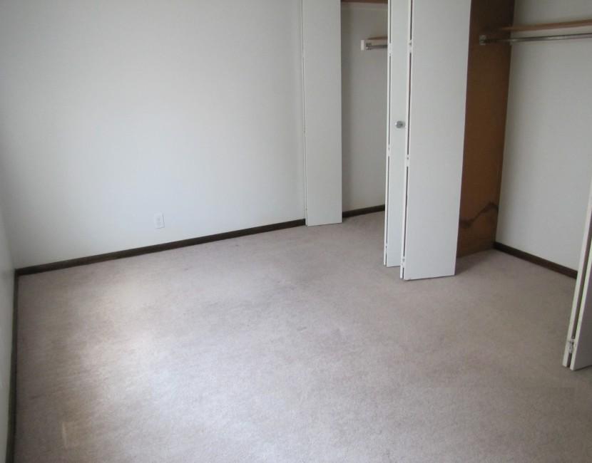 Monarch Estates - Bedroom (2)