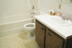 Peartree - Bathroom (2)